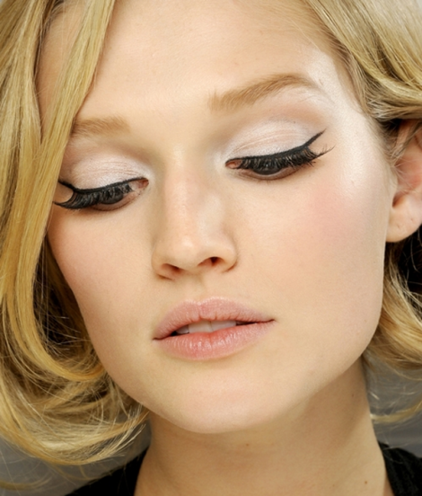 Eyeliner_και_smokey_προτάσεις_για_νυφικό_μακιγιάζ_ματιών (1)