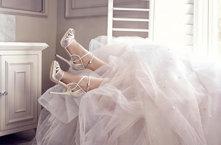 6cd639824a4 Νέα_συλλογή_jimmy_choo_νυφικά_παπούτσια_της_φετινής_άνοιξης (3). Τα jimmy  choo νυφικά παπούτσια ...
