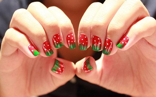 Φράουλες_στα_καλοκαιρινά_σχέδια_για_νύχια (2)