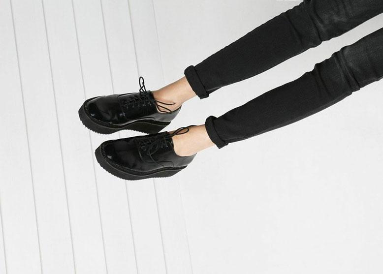 8dea0e66506 Αυτά είναι τα must-have παπούτσια για το φθινόπωρο