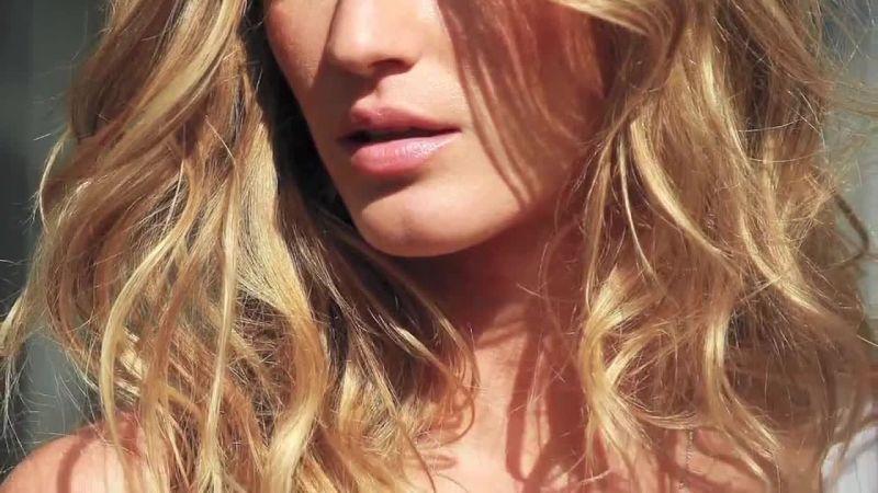 Δοκιμάστε την πιο εύκολη σπιτική μάσκα για ξηρά μαλλιά
