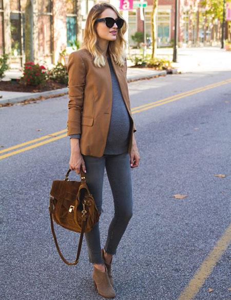 έγκυος με στυλ: 4+1 streetwear ιδέες για μέλλουσες μαμάδες