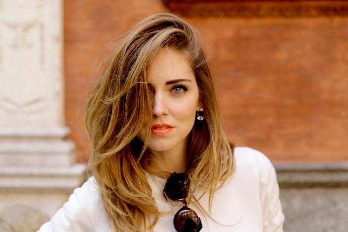 μαλλιά με όγκο στη ρίζα 4 tips για να το πετύχετε φυσικά