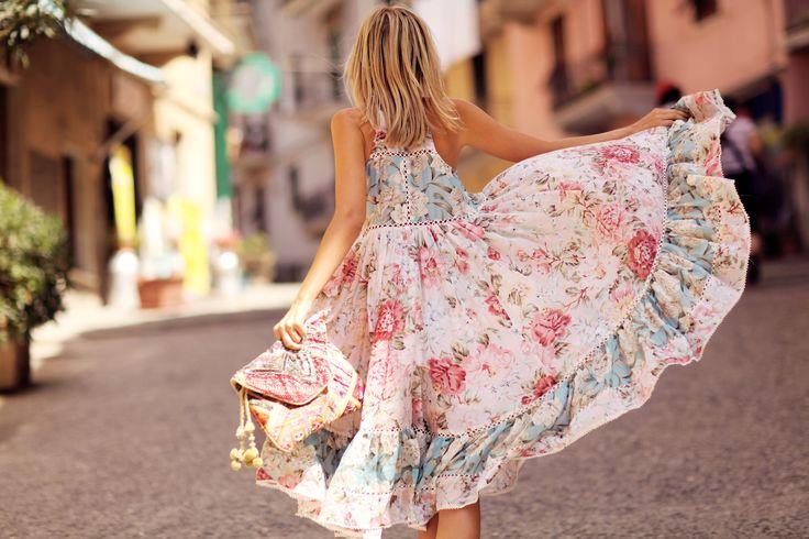 5 απαραίτητα καλοκαιρινά ρούχα σε κάθε γυναικεία ντουλάπα