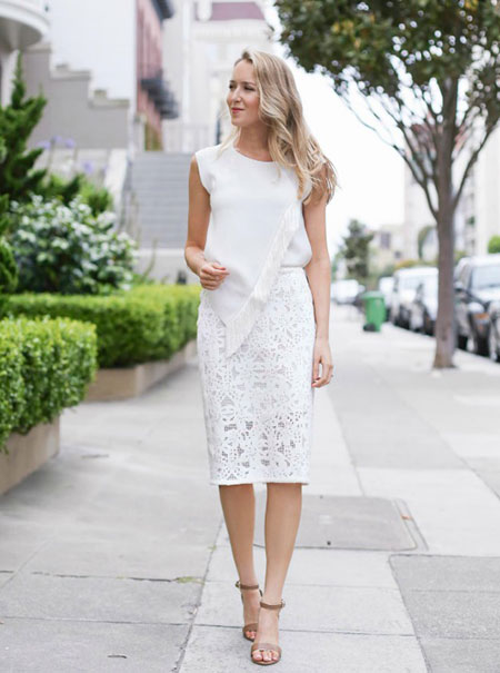 5ff2f4a7127 Ποιο χρώμα δαντέλας θα διαλέξετε εσείς αυτό το καλοκαίρι; Αριστοκρατική,  κλασική και πολύ ρομαντική, η λευκή δαντέλα είναι υπέροχη τόσο σε φορέματα,  ...