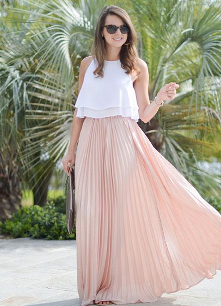 Φούστα με crop top  τι να φορέσετε ως καλεσμένη σε γάμο 60b227419da