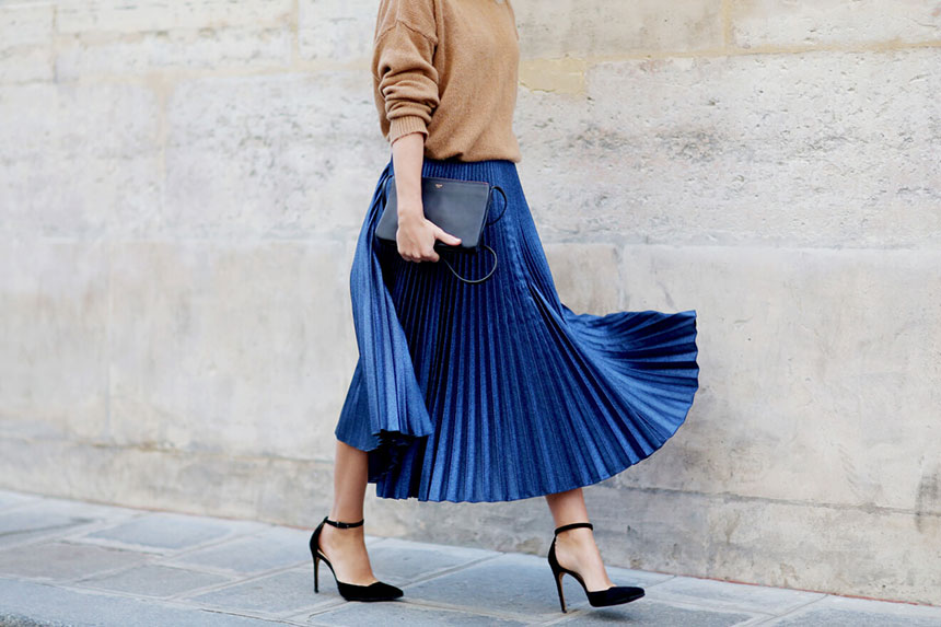 Η πλισέ φούστα αποτελεί μια από τις πιο hot τάσεις μόδας αυτή τη σεζόν  (μαζί με τη δερμάτινη φούστα που έκανε δυναμικό comeback)…μια γρήγορη ματιά  στις ... 00bf4881420