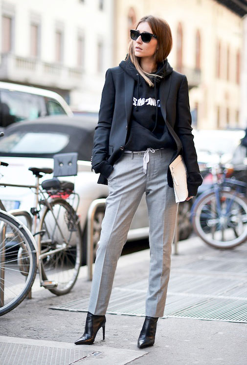 Sporty chic style η άνετη καθημερινή πρόταση ντυσίματος