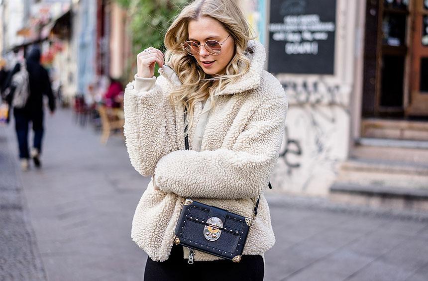 Το πιο δημοφιλές πανωφόρι στο Pinterest αλλά και το αγαπημένο των  fashionistas στο Instagram φέτος δεν είναι άλλο από το teddy coat! 0c011b15b19