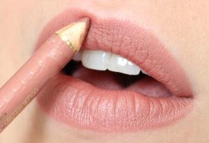 5 καλύτερα μολύβια χειλιών σε φυσική απόχρωση για πλούσιο αποτέλεσμα