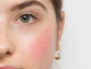Εφαρμογή ρουζ ανάλογα με το σχήμα προσώπου: όλα τα makeup tips