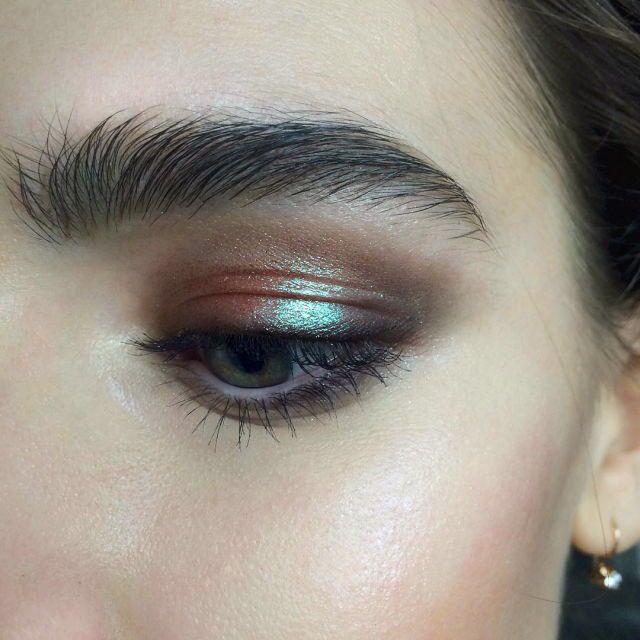 Σκιές ματιών χρώματα όλες οι νέες τάσεις που κυριαρχούν