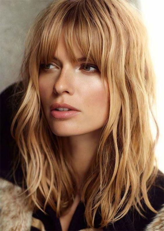 Μακρύ καρέ με αφέλειες: η διαφορετική hairstyle πρόταση