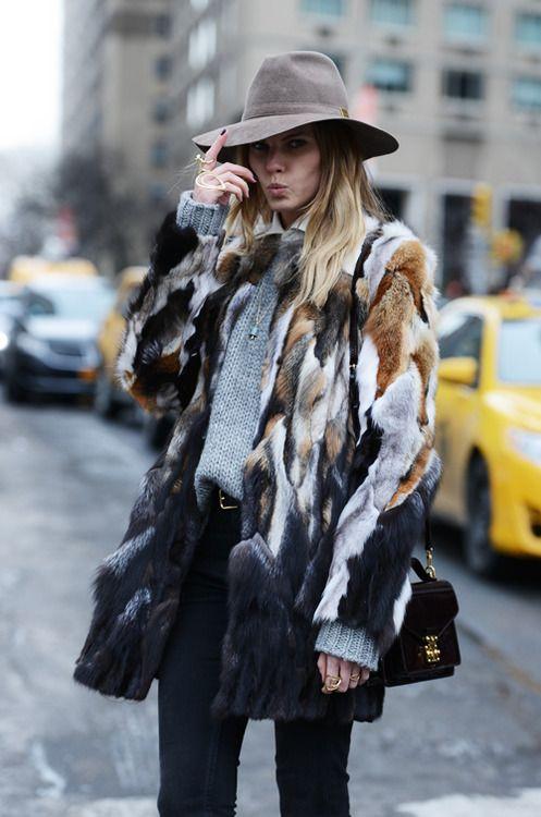 Ντύσιμο για πολύ κρύο: πως να είστε ζεστές και στυλάτες